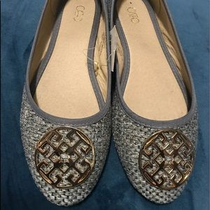 Cute Cato Flats with round gold accents
